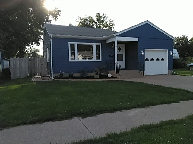RANCH HOME IN FAIRFIELD, IOWA FOR SALE