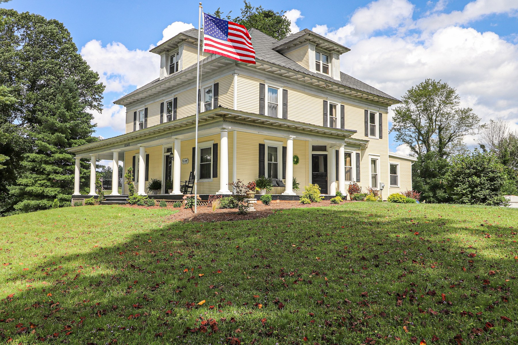 Beautiful Historic Country Home for Sale in Check VA!