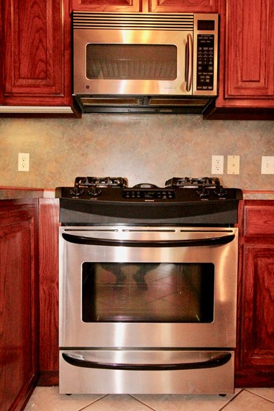 Gas Stove and Built-in Microwave