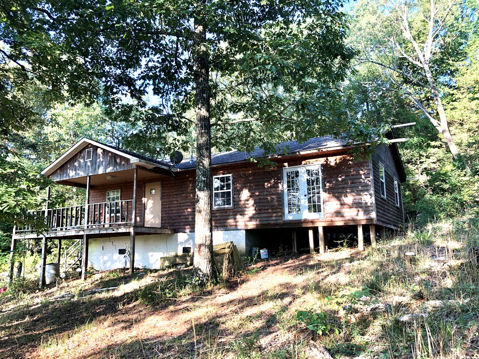 HUNTING LAND WITH CABIN IN ARKANSAS