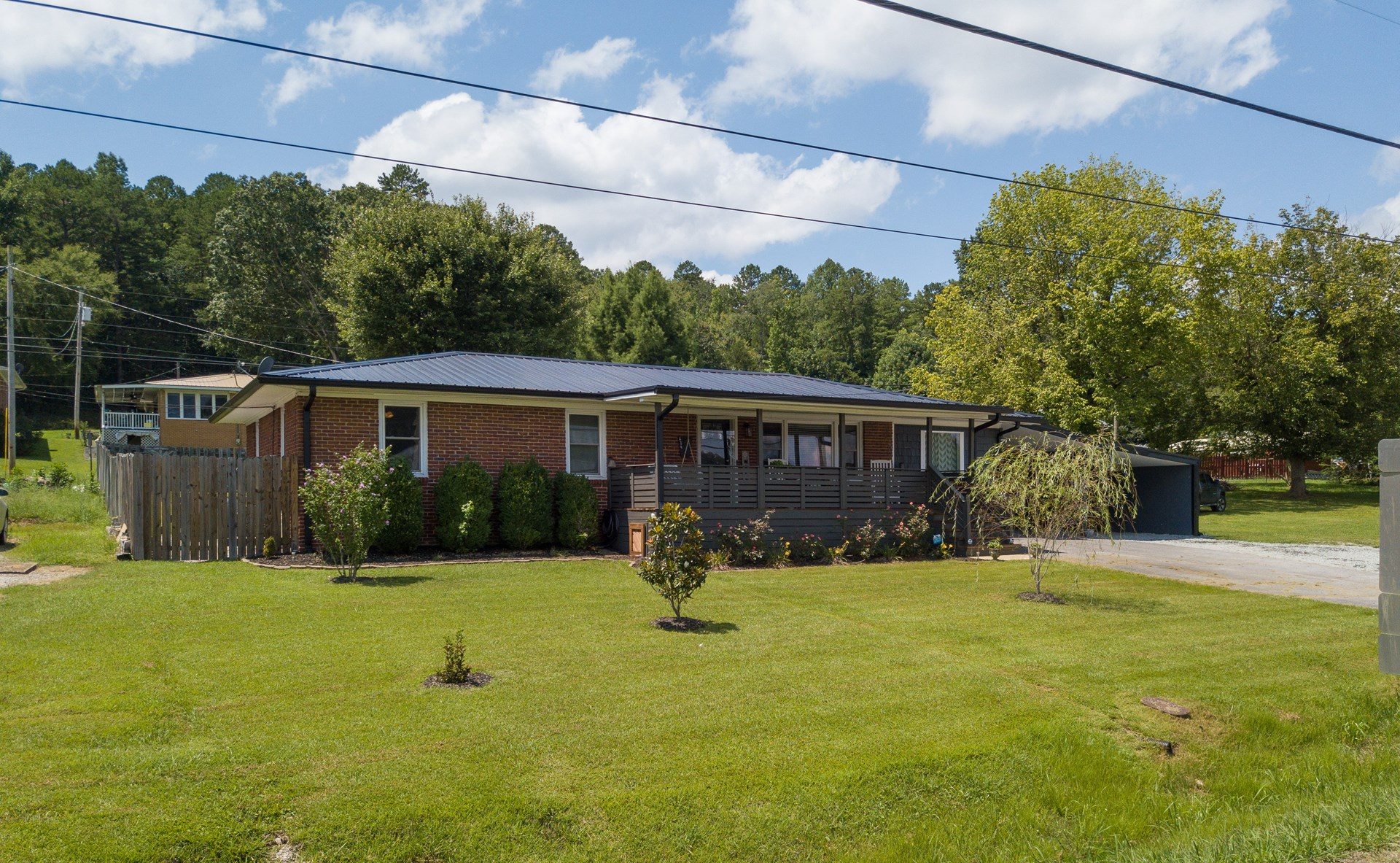 SOLD! 4 BED 2 BA BRICK RANCH HOME WAYNESBORO TN SHOP