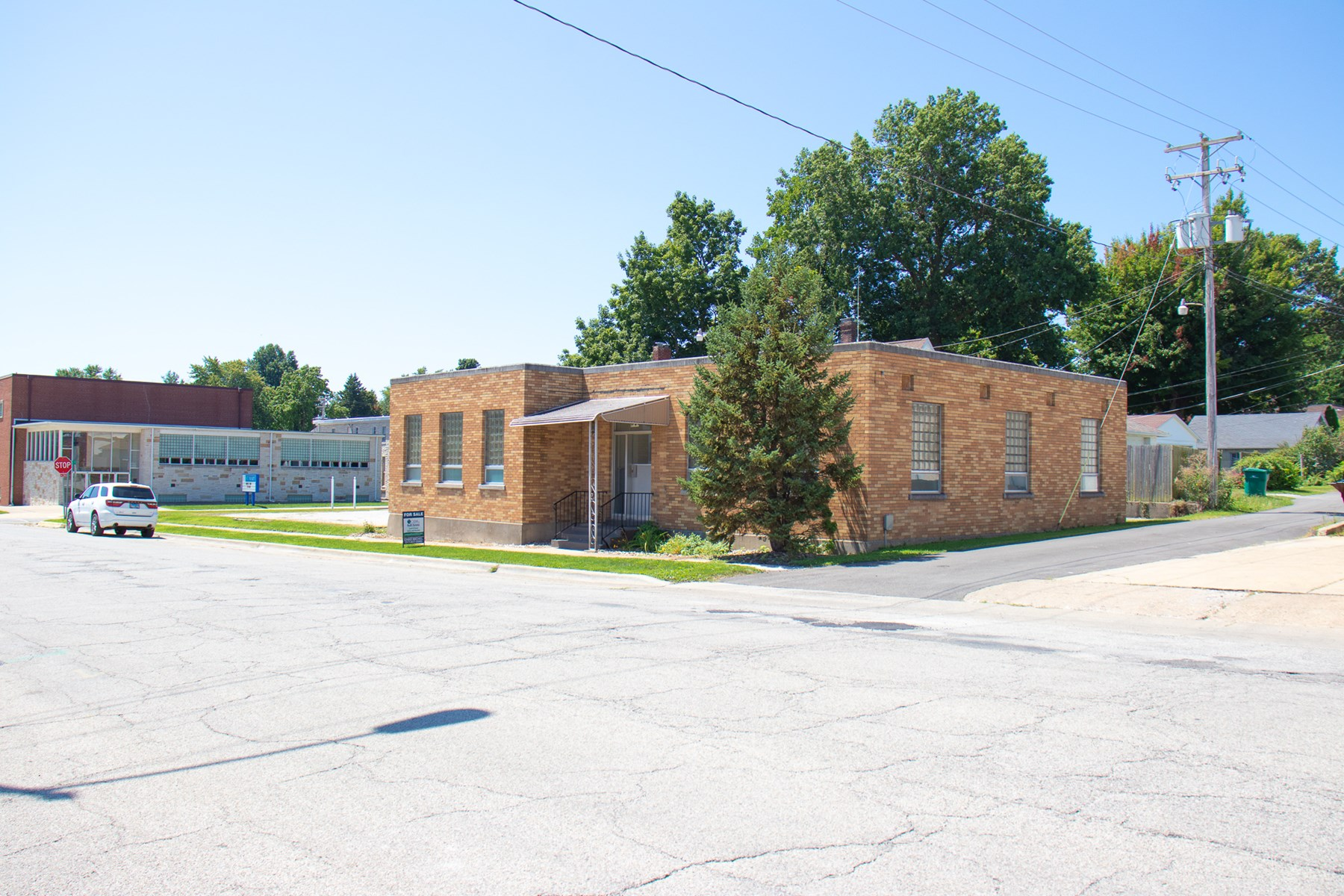 Commercial Building For Sale in Taylorville Illinois