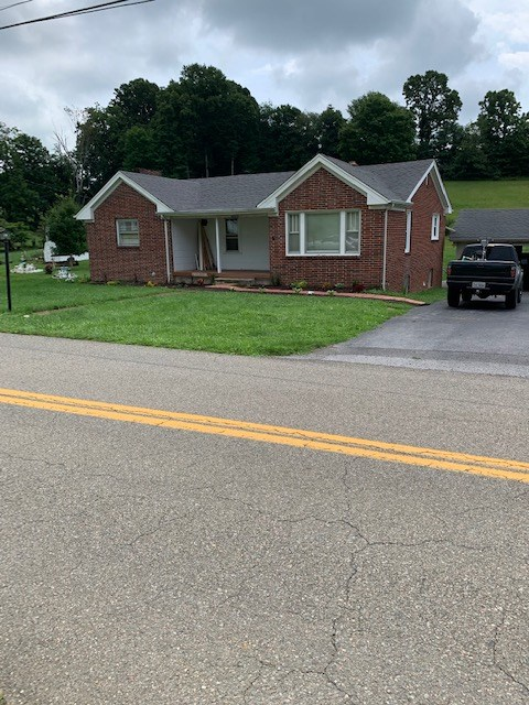 Ranch Style Home Near Town for Sale in Abingdon VA!
