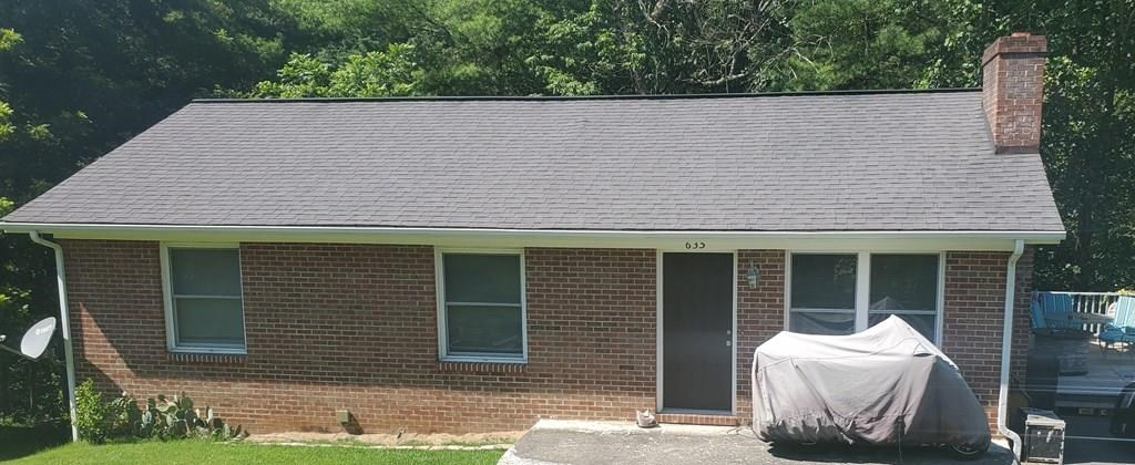 2 BR 1 BA One Level Brick Home in Richlands w/ Water view