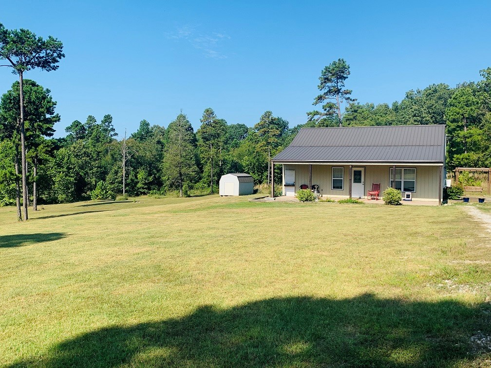 HOME WITH 5 ACRES FOR SALE IN MELBOURNE, ARKANSAS!