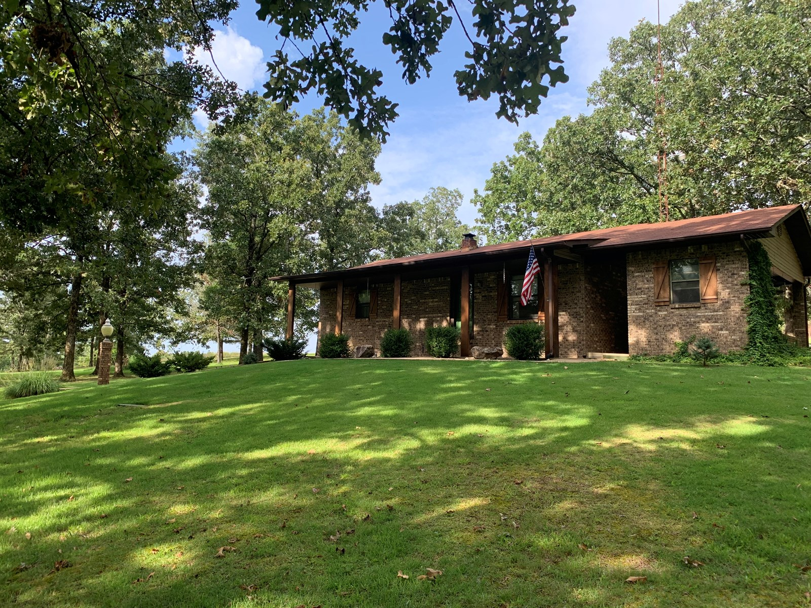 Ranch home on 20 Acres 3 miles outside Doniphan