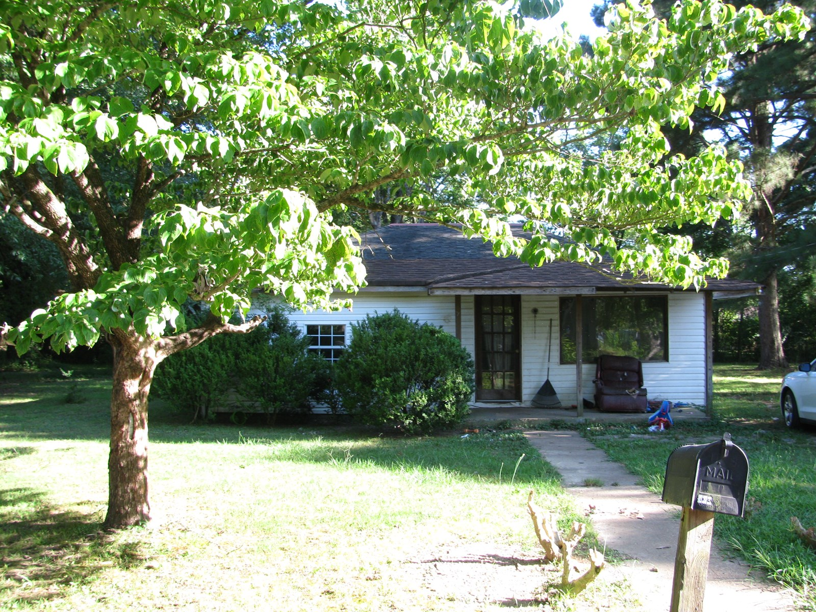 RENT HOUSE FOR SALE IN SAVANNAH, TN, OLDER HOME