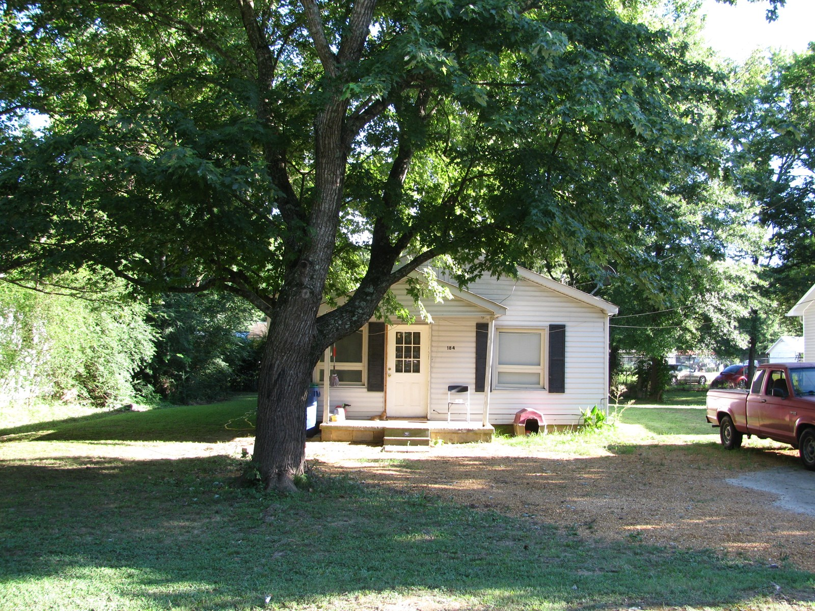 RENT HOUSE FOR SALE IN SAVANNAH, TN, HOME IN TOWN