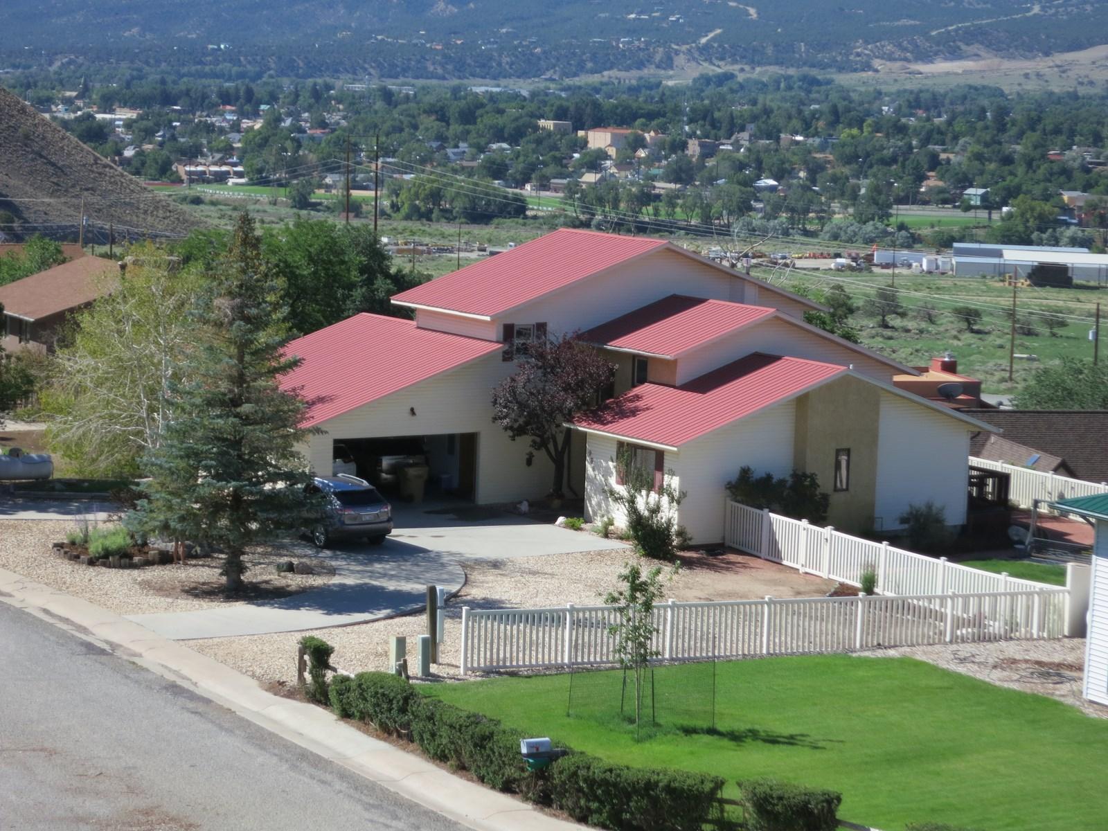 Beautiful Salida home has Views, no HOA, Mtn & Valley views