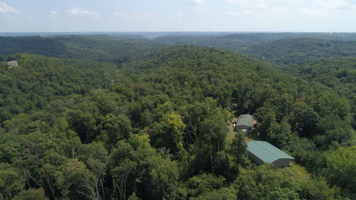 Ridgetop Home with Land for Sale in Prairie Du Chien, WI