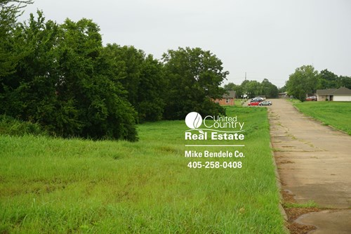 Land and/or Home sites in Stroud, OK