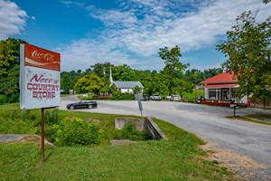 COUNTRY STORE AND DINER FOR SALE IN MIDDLE TENNESSEE