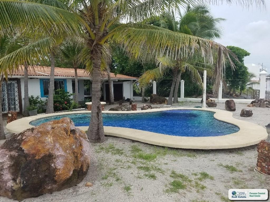 OCEAN FRONT HOUSE FOR SALE/RENT IN GORGONA PANAMA