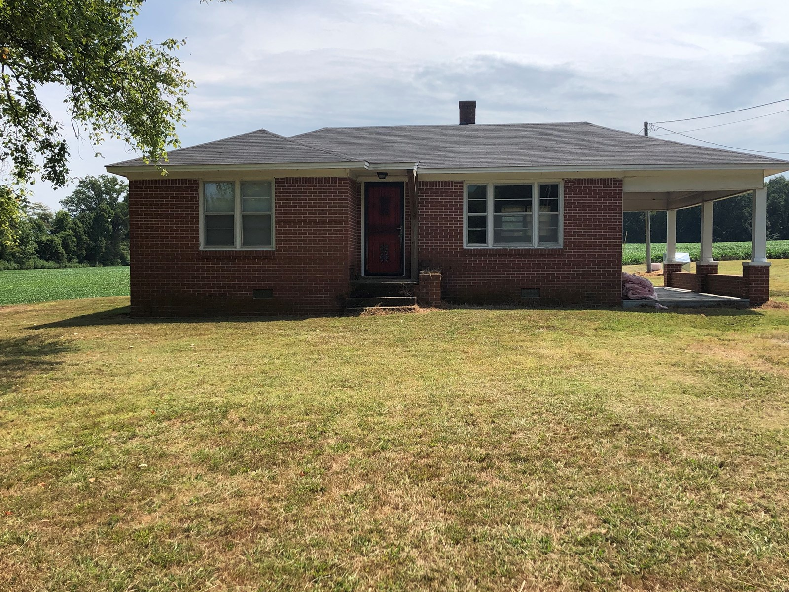 Brick home for sale in Gibson County, TN - Handyman Special