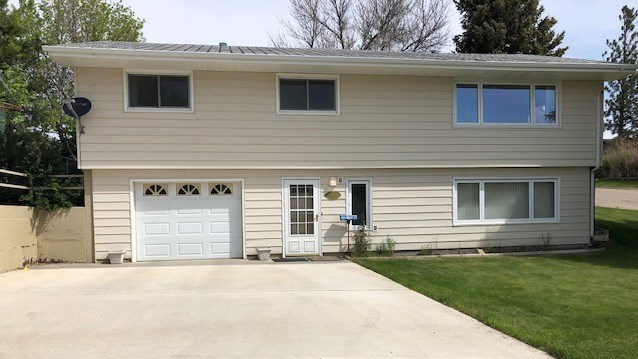 House in Town for Sale in Shelby MT