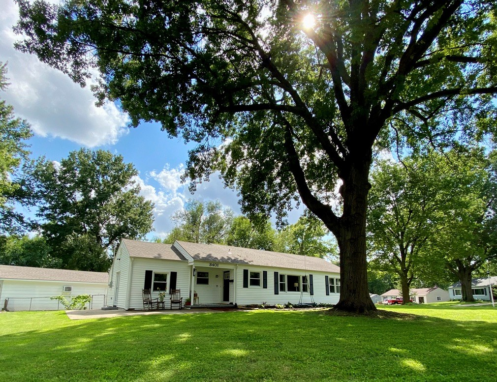 Overland Park, Kansas- Remodeled Ranch Style Home For Sale
