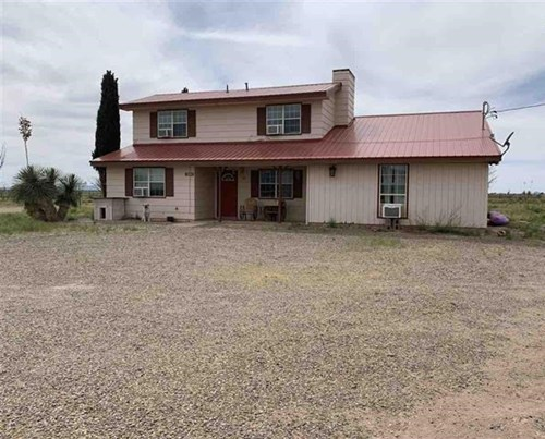 Huge two-story level home in Deming NM