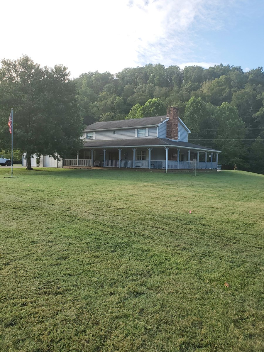 WV COUNTRY HOME ON 5.3 ACRES
