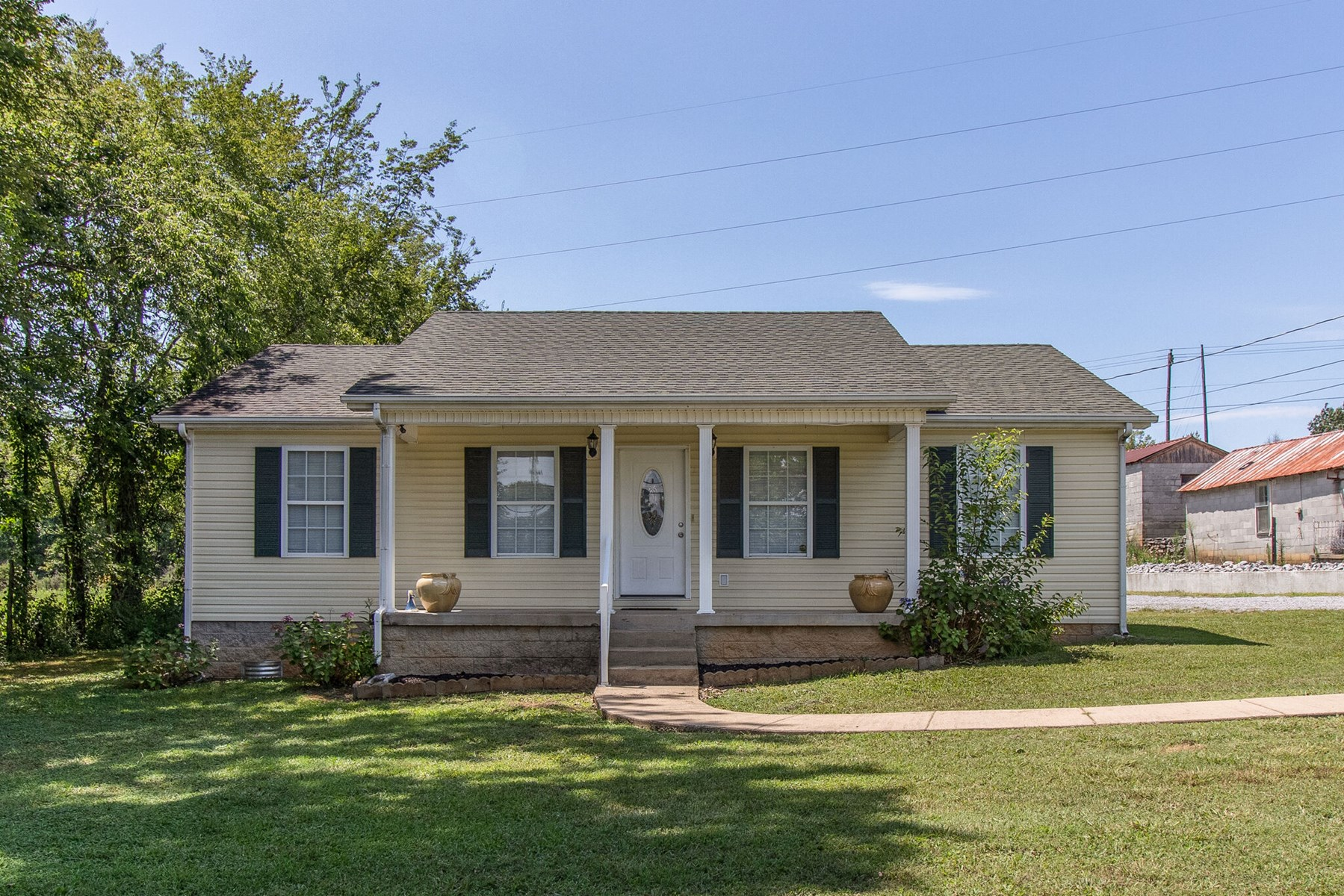 Updated Single Family Home for Sale in Lewisburg, Tennessee