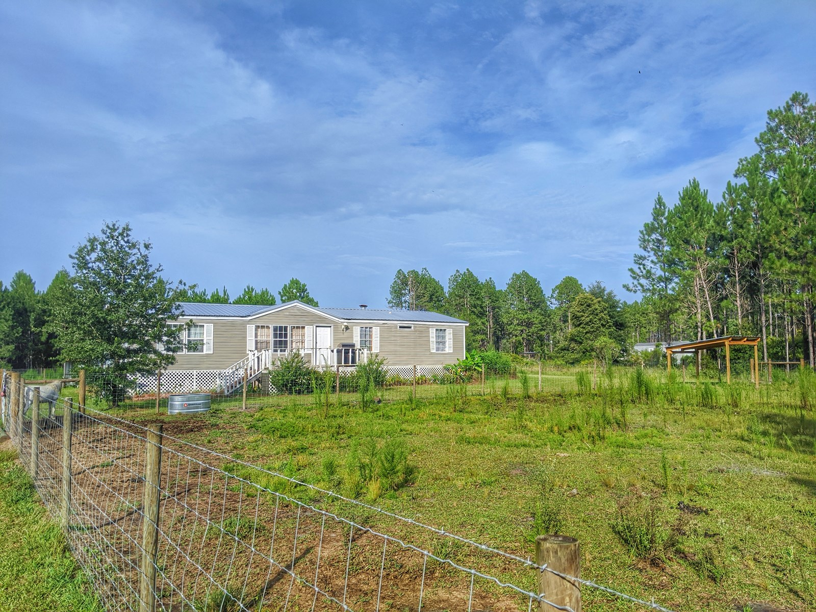 Mobile home on 10 acres in Union County