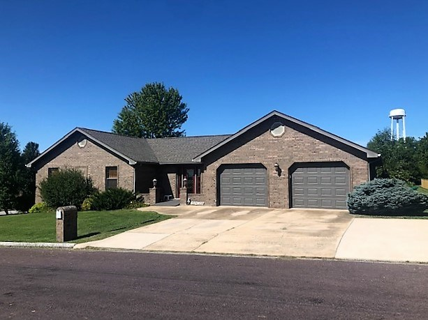 Brick Home For Sale in Mountain Grove