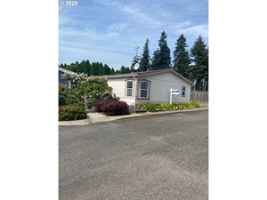 MOBILE HOME IN PARK ON REAL LAND FOR SALE IN LA CENTER WA