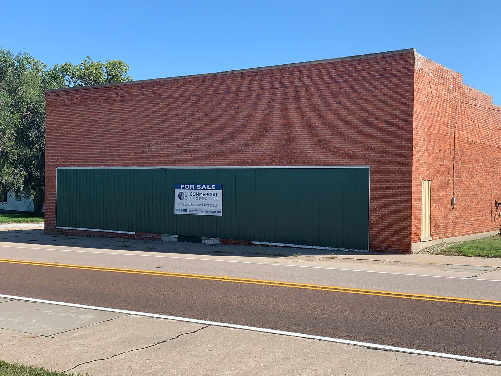 COMMERCIAL, RETAIL, OR INVESTMENT BUILDING FOR SALE