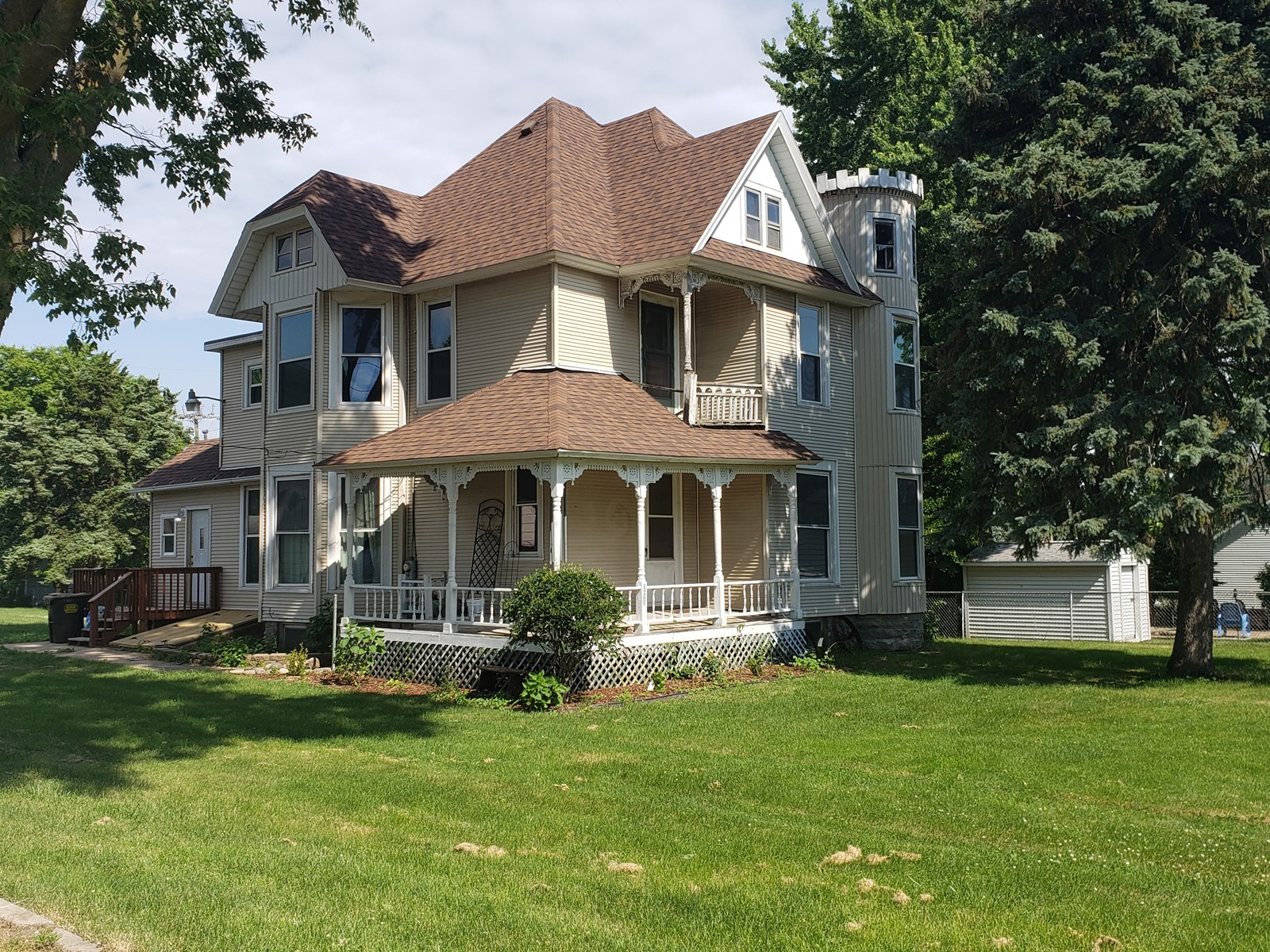 Large 4 bedroom house with 2 full baths.