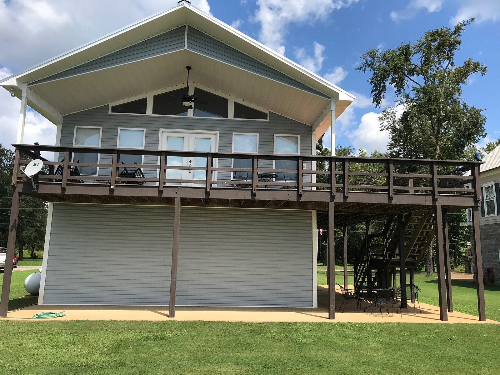 RIVER FRONT HOME FOR SALE IN TN ON THE TENNESSEE RIVER