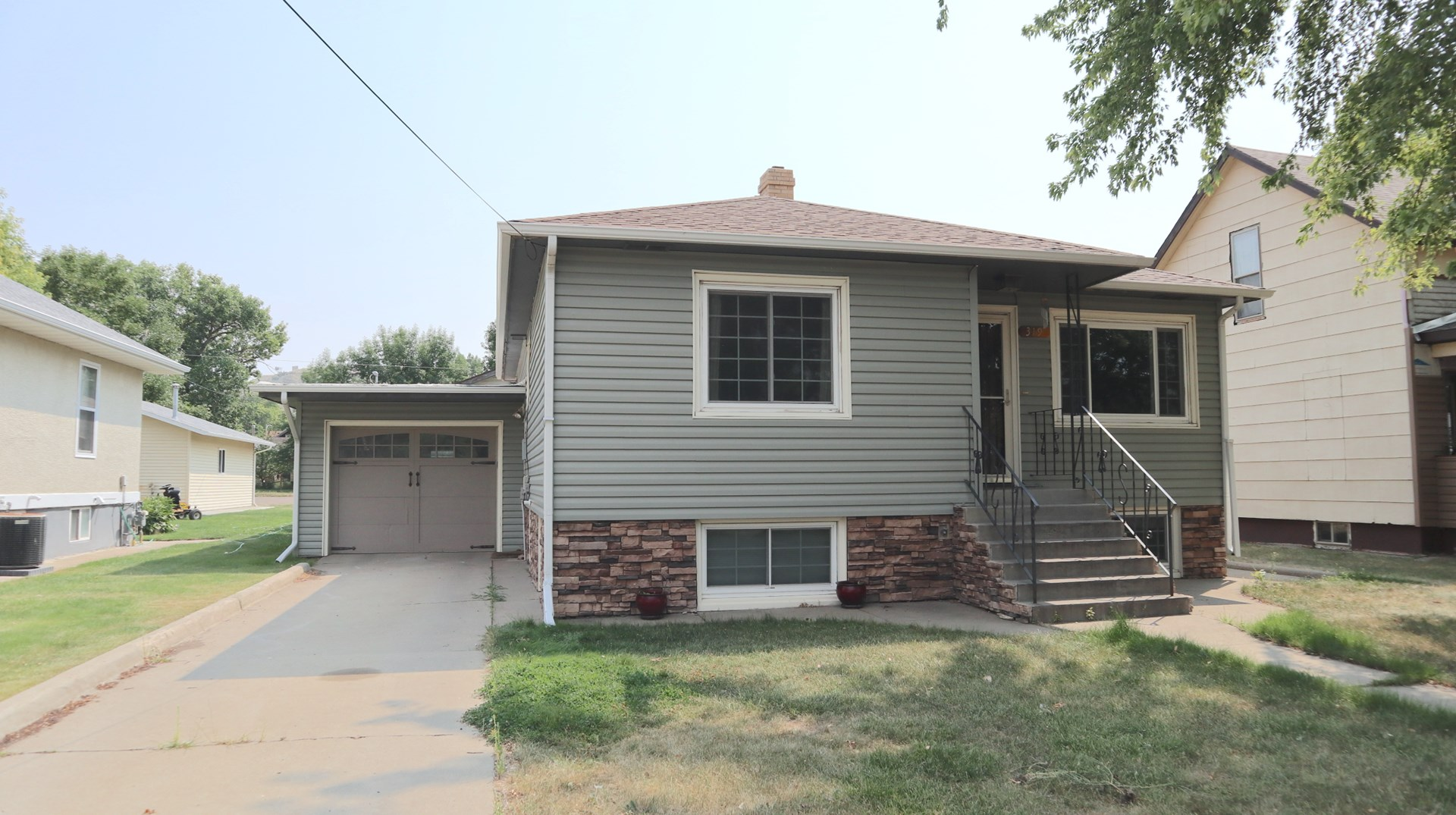 Move-in Ready 5 bd/1.75 bath Home for Sale in Glendive MT