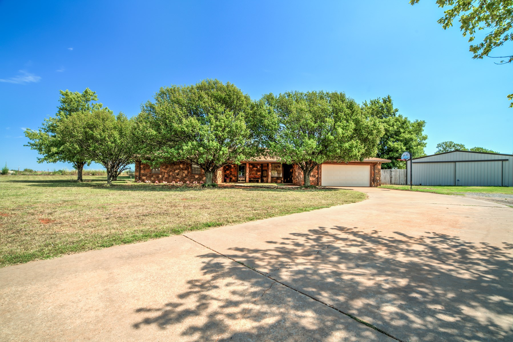 Western Oklahoma Country Home with Equine Facility for Sale