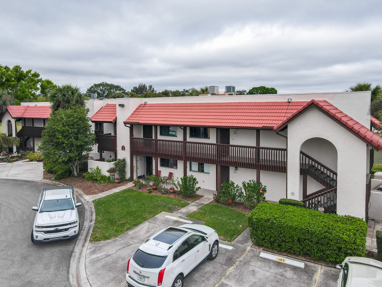 2/2 CONDO IN GOLF COMMUNITY, CENTRAL FLORIDA, COUNTRY CLUB