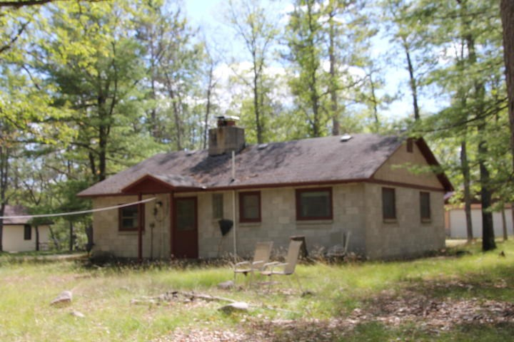 Cabin for sale Northern MI Private Hunting and Fishing Club