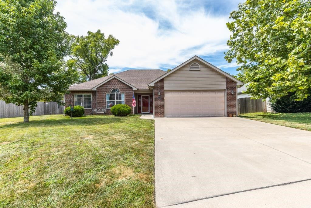 3 Bed, 2 Bath Home with Upgrades in southwest Columbia, MO
