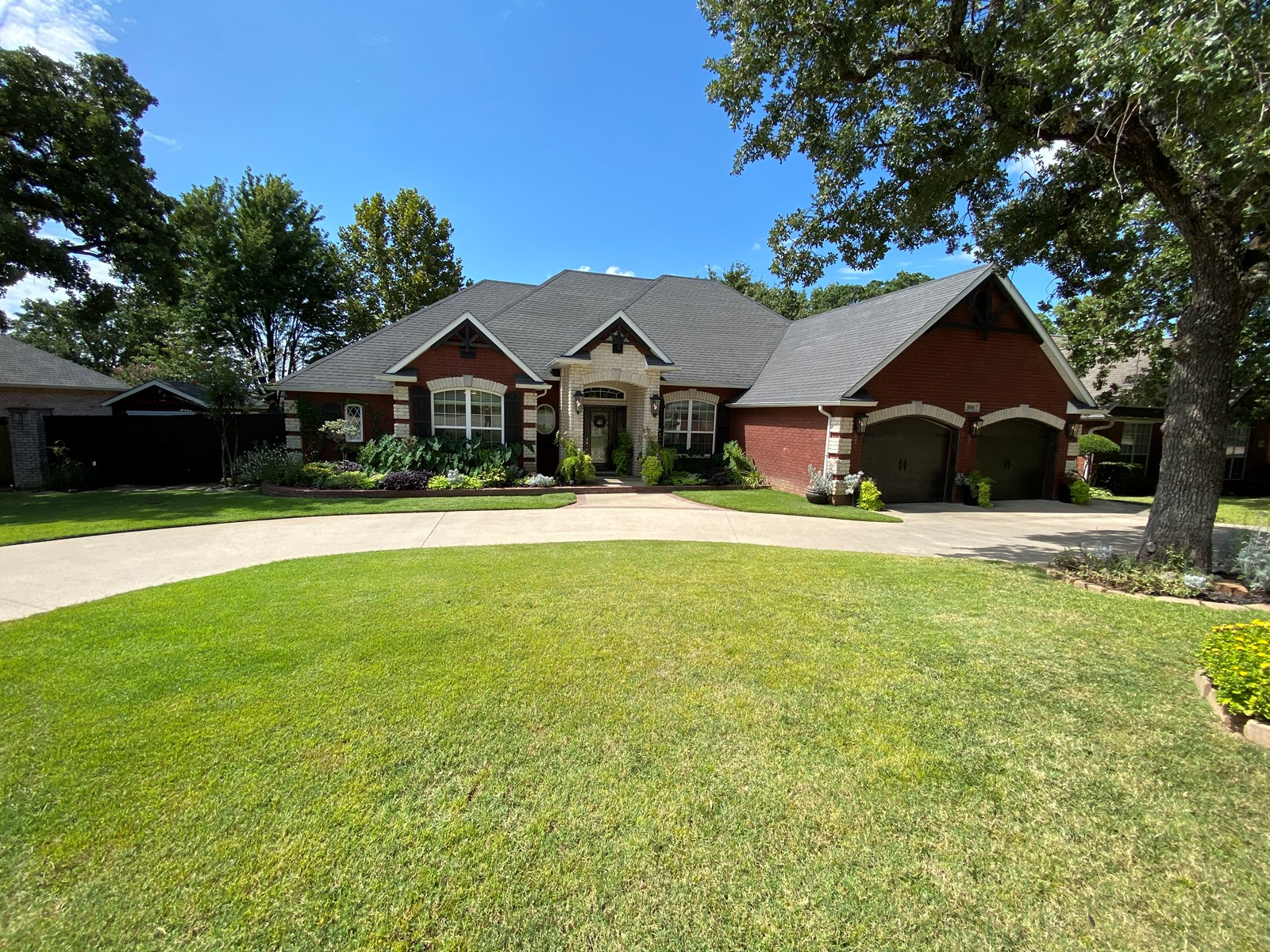 Custom home in Country Club Estates
