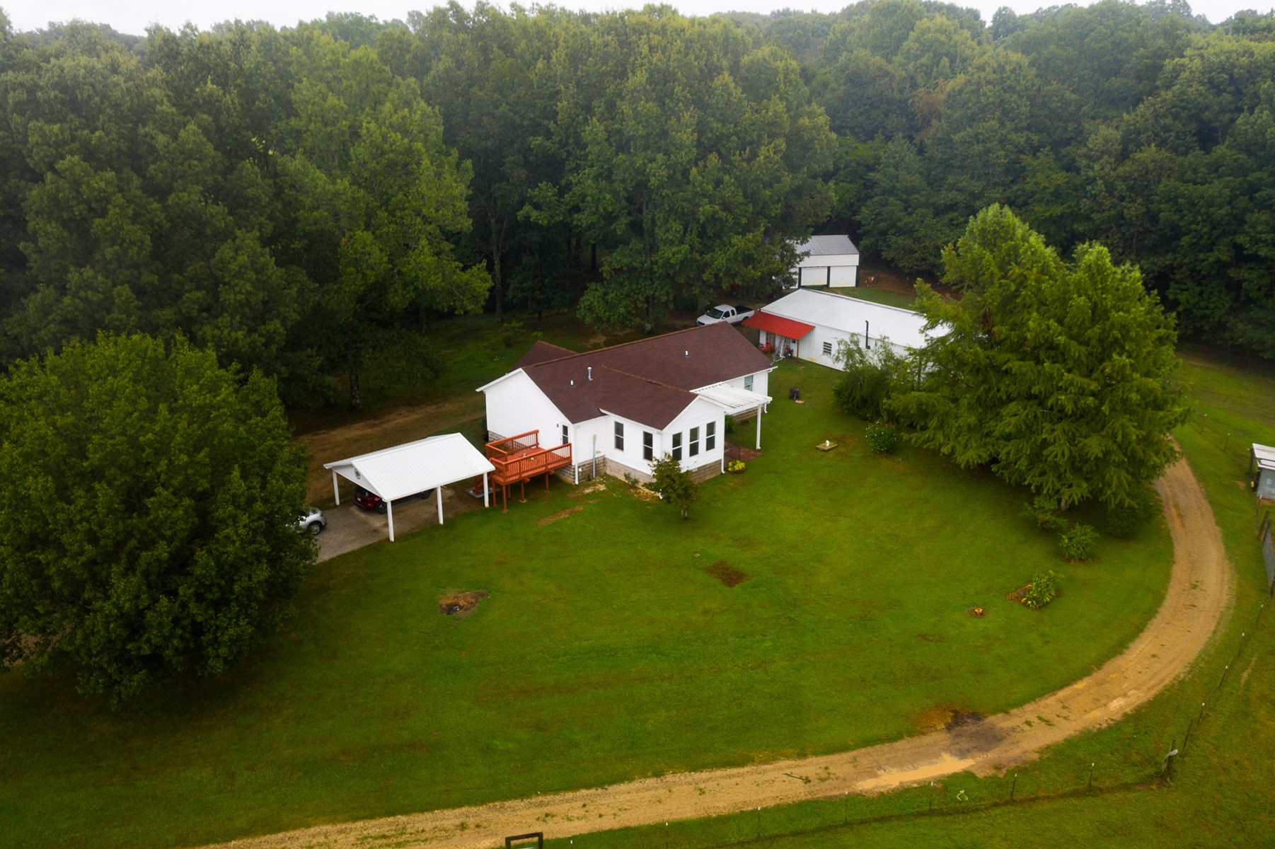 3 BR 2 BA Country Home on 33 Acres in Trenton Tn