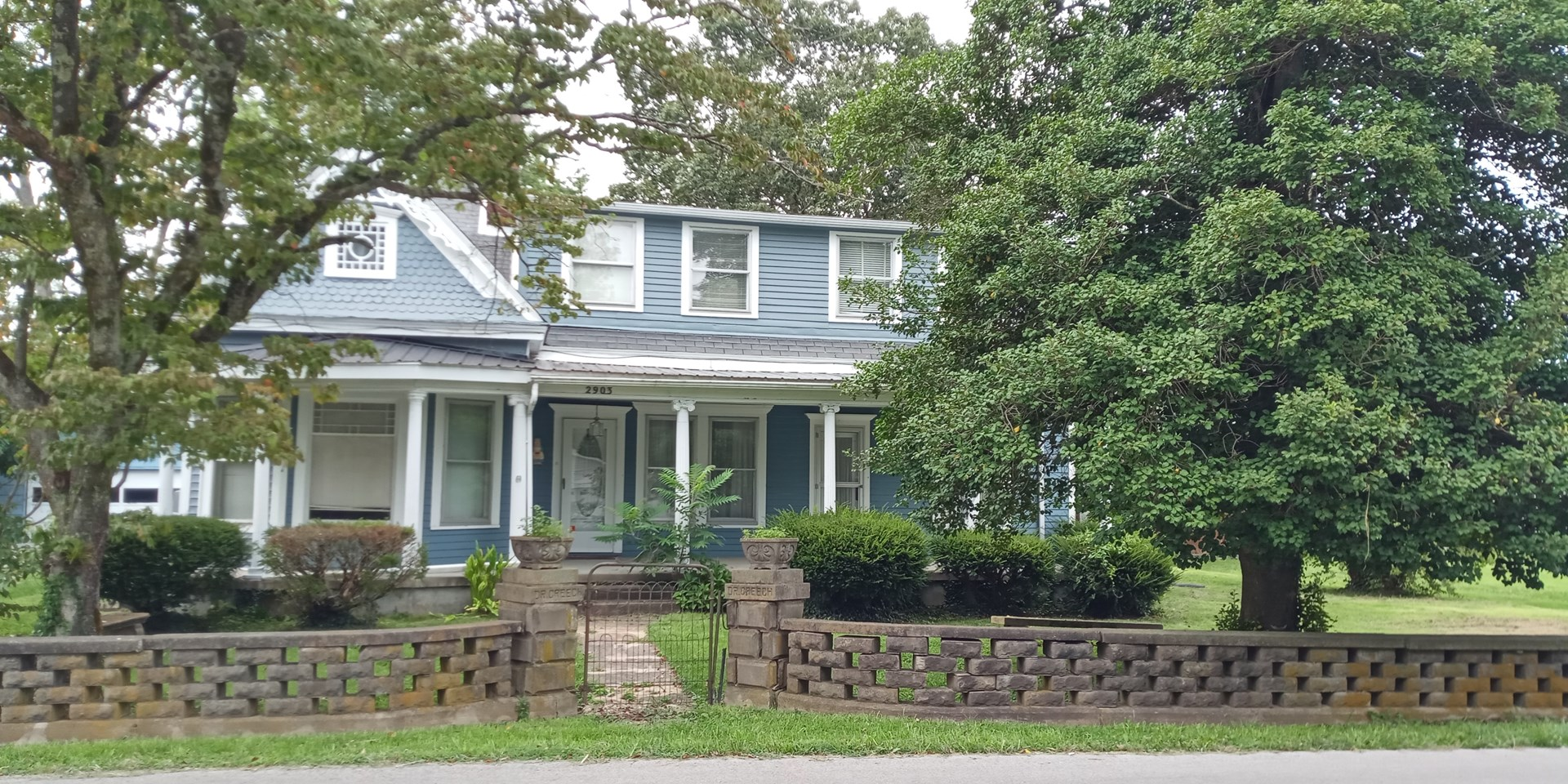 Historic Country Home located in Middleburg, Kentucky