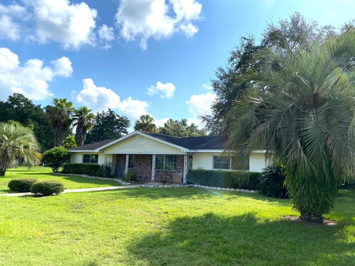 3/2 OLDER CONCRETE BLOCK HOME IN CITY OF TRENTON, FL