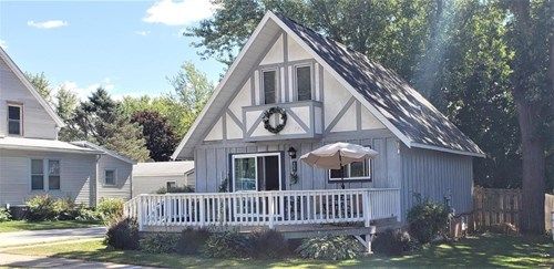 3 Bedroom home in-town for sale in Viroqua, WI