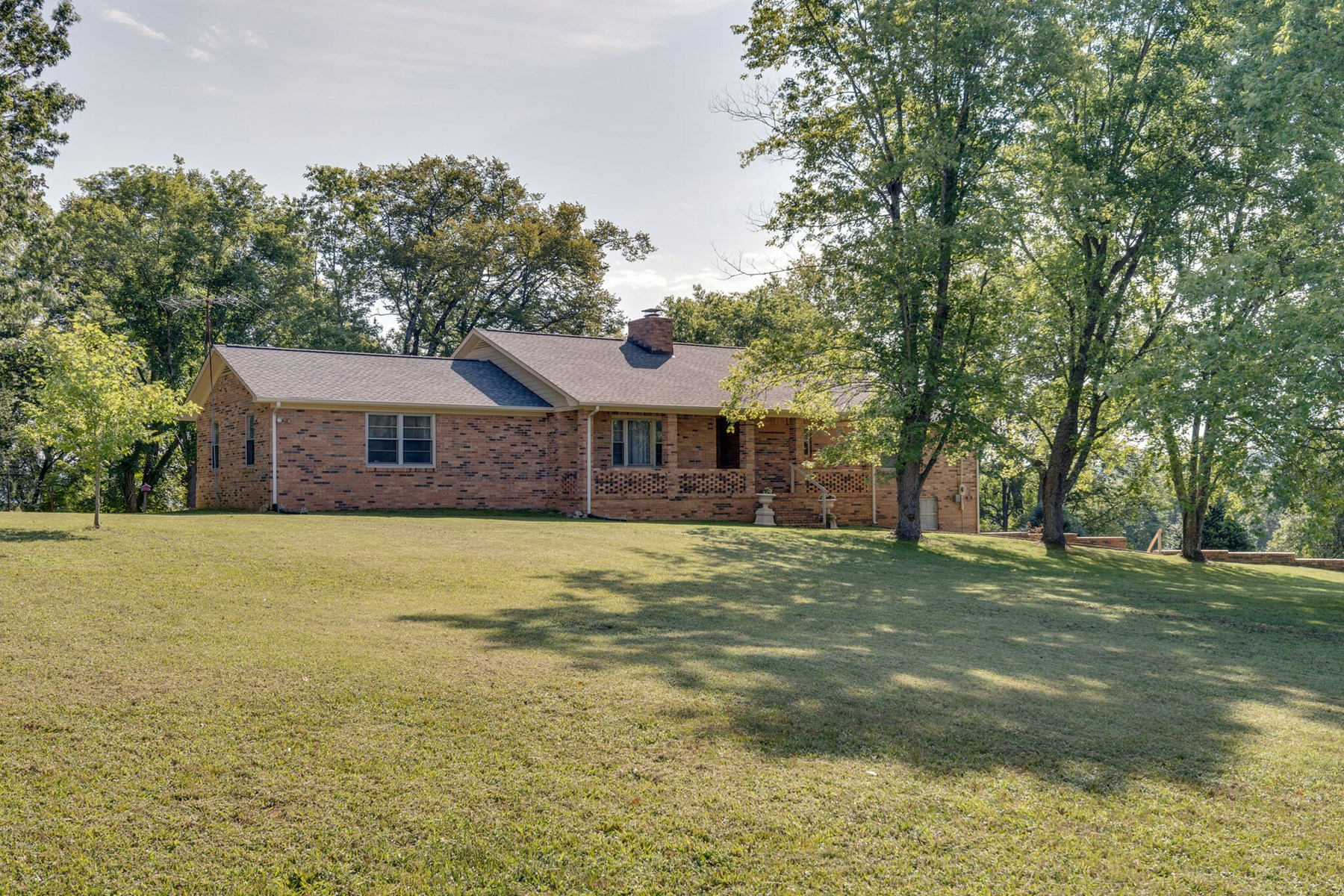 Country Home with Acreage for Sale in Columbia, Tennessee