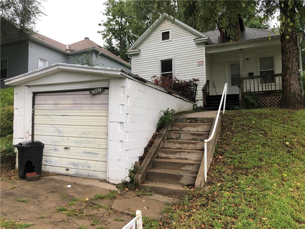 2 Bedroom Home in North End. Good Investment Opportunity