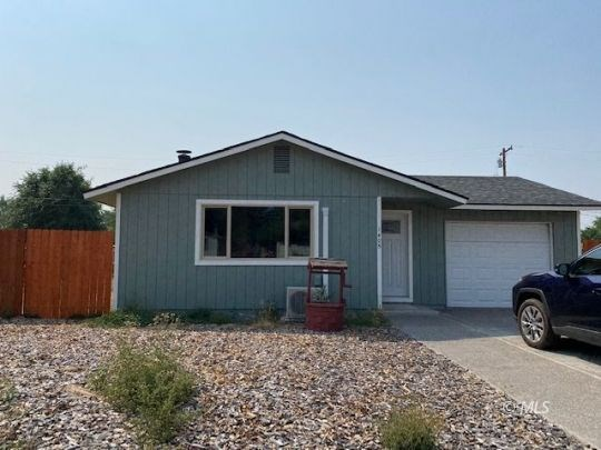 2bed/1 bath 952 sq. ft home of perfection. Newly Remodeled.
