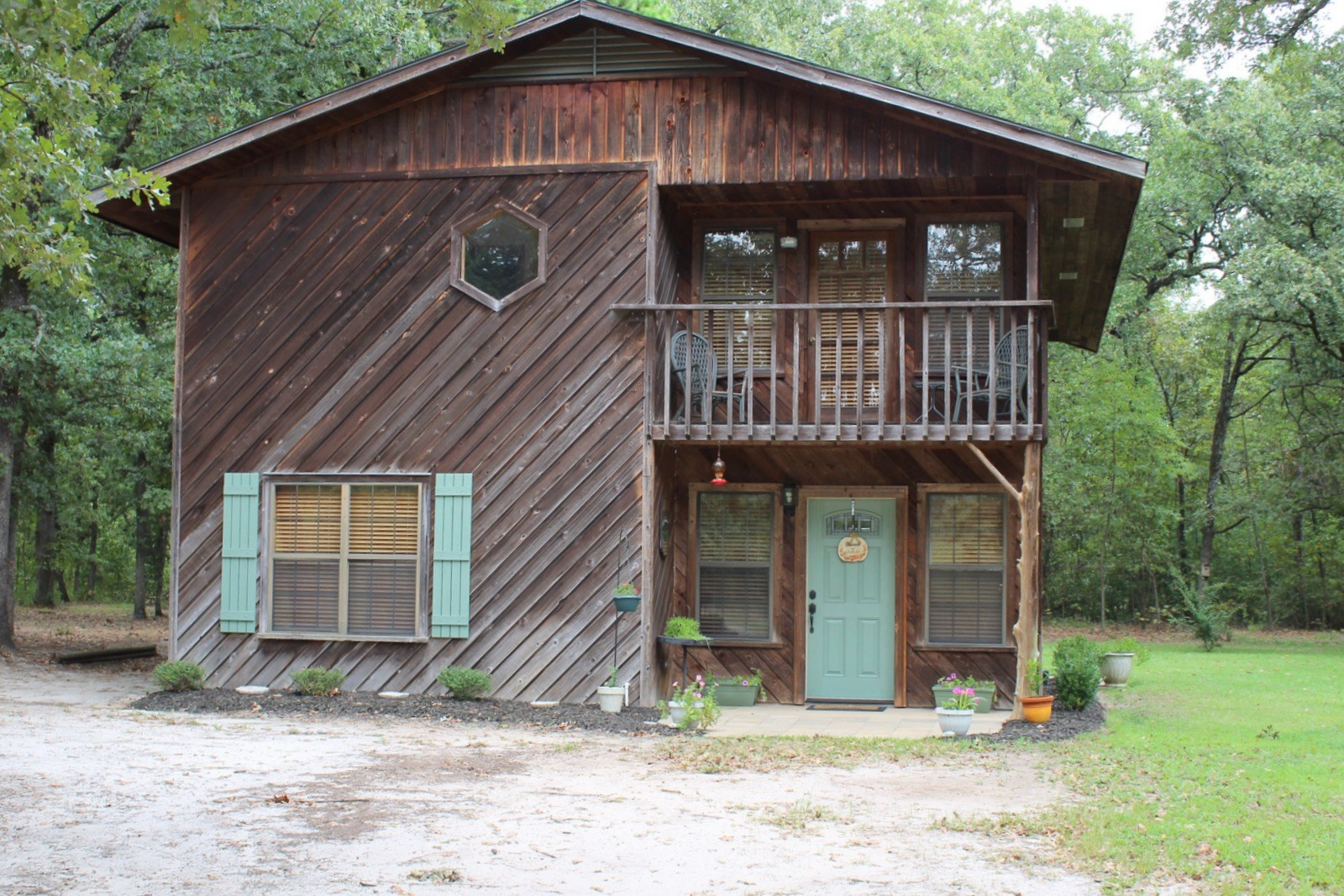 11 EAST TEXAS ACRES - LARGE SHOP - RV HOOKUPS - 4BR-2BA HOME