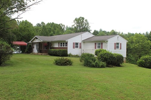 RANCH STYLE HOME -   117.98 ACRES  IN PATRICK COUNTY, VA