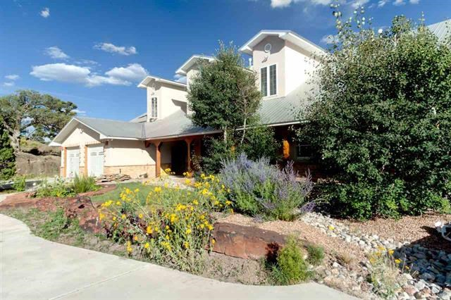 Custom Home-overlooks El Vado Lake- Northern NM