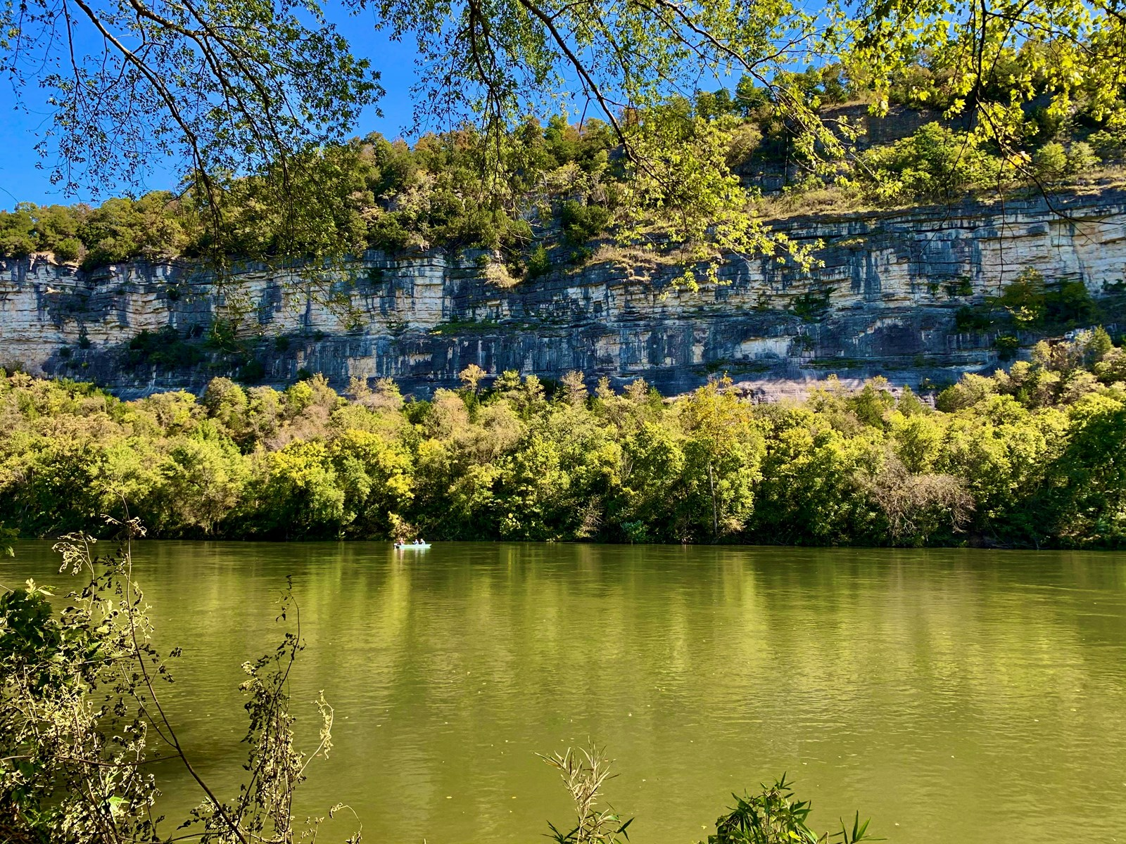 Mountain View land for sale on the White River