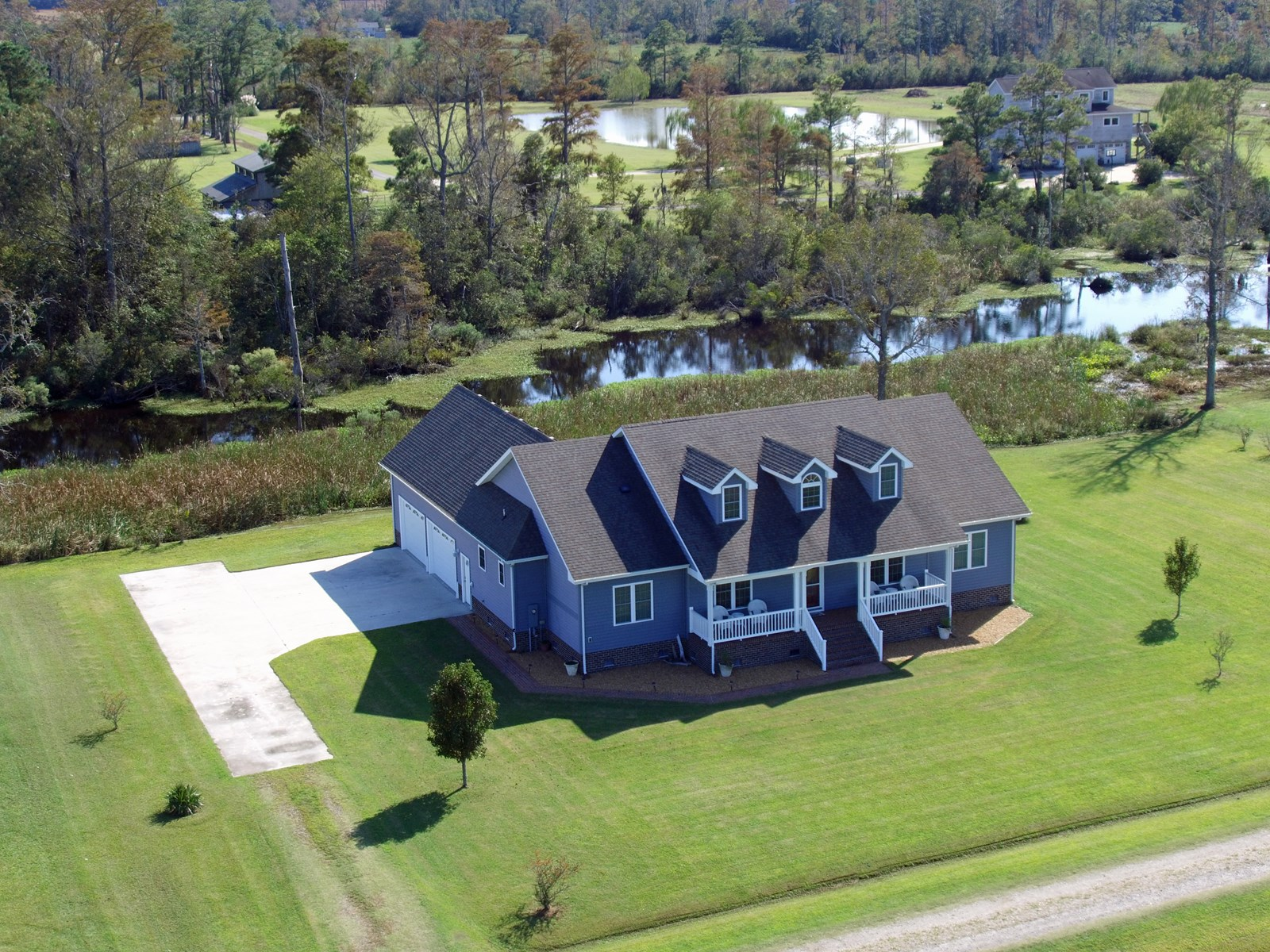 COLUMBIA, NC CANAL FRONT HOME FOR SALE-CLOSE TO OUTER BANKS