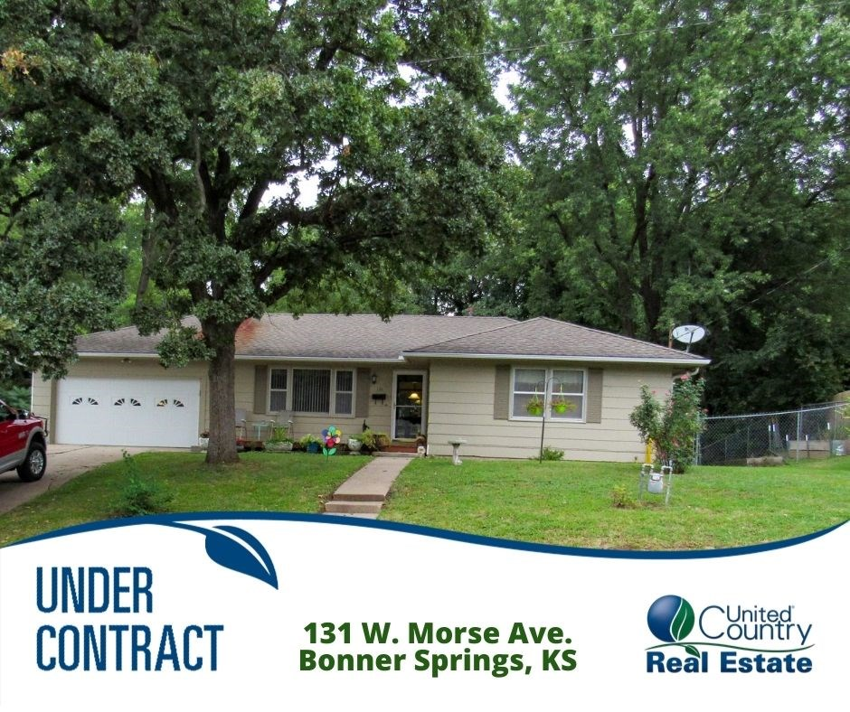 Ranch Home in Bonner Springs, KS For Sale