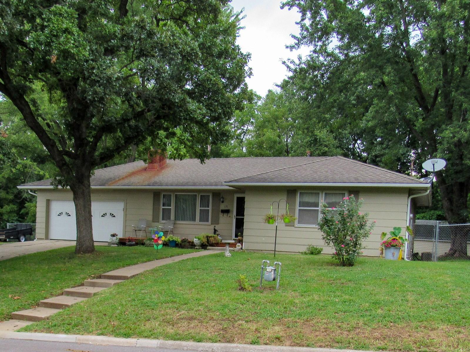 Ranch Home in Bonner Springs, KS For Sale