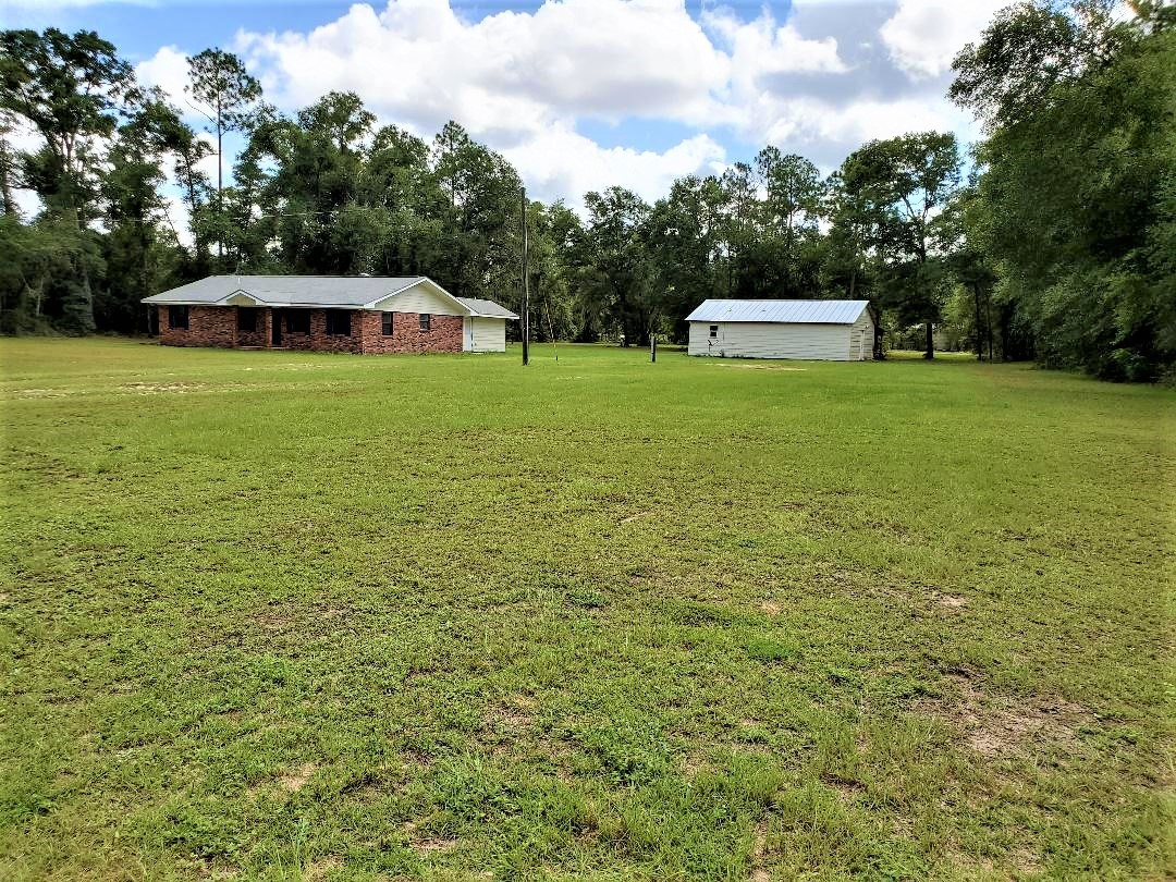 Bristol FL home on acreage with separate apartment